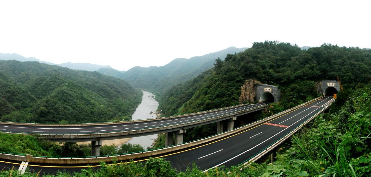 六武隧道全景图4.JPG