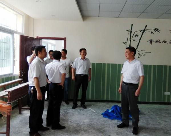 安徽省地税局党组书记、局长胡春武在九龙村讲党课2.png