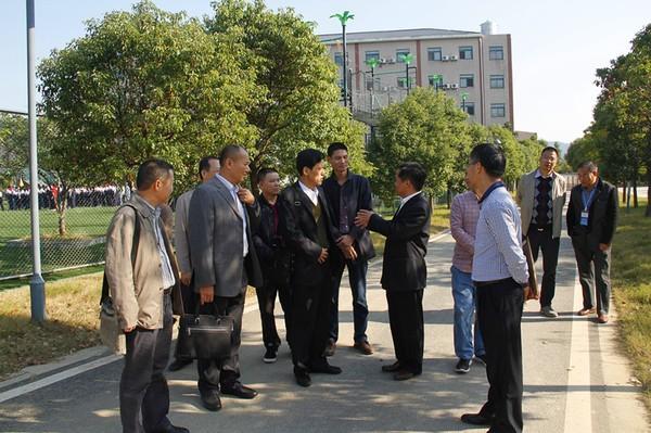 湛江市教育代表团来基地参观学习