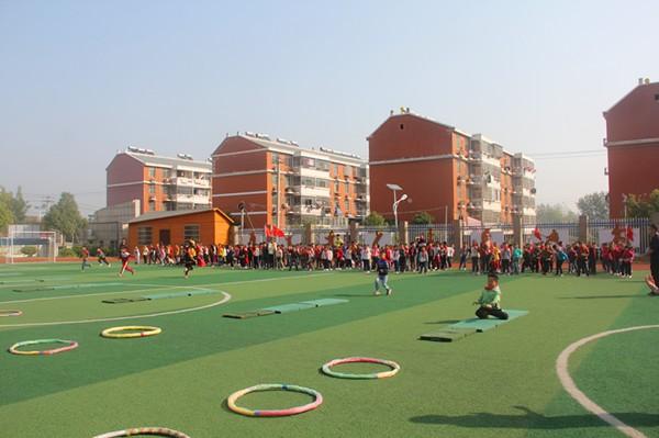 小庙中心学校:阳光体育 快乐健身