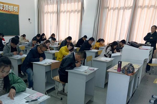 铭传乡2018年公开招聘村级后备干部笔试顺利完成