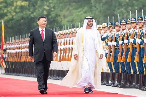 习近平同阿联酋阿布扎比王储穆罕默德会谈
