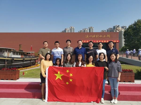 南京图书馆:南京图书馆团委组织团员参观渡江胜利纪念馆.jpg