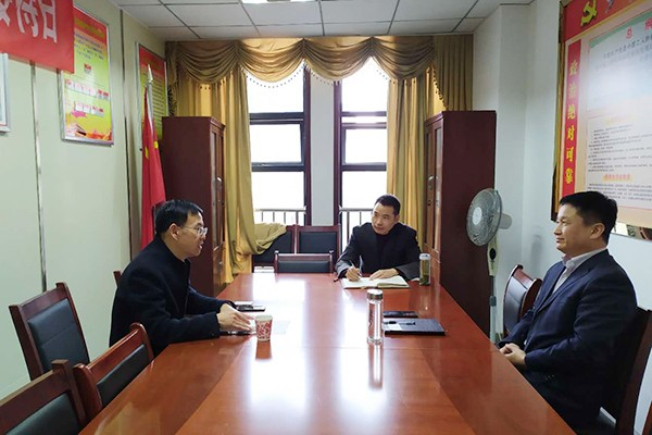 县委常委、组织部部长、统战部部长郜志华接待客商
