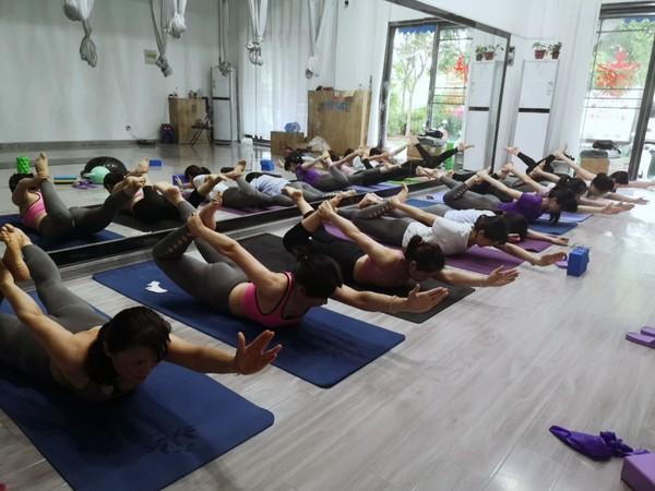 界首市总工会带你走近瑜伽健身