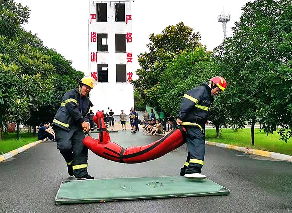 界首市举办第一届职工消防职业技能竞赛