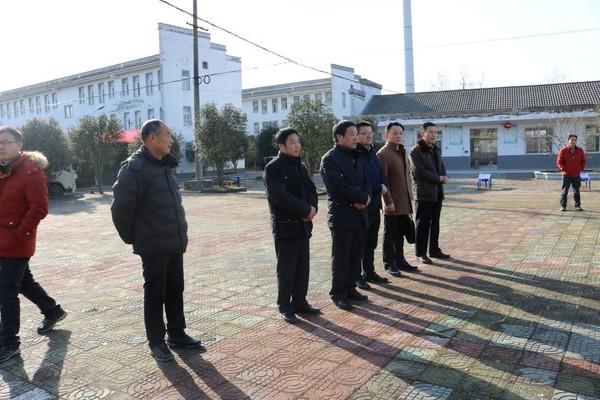 紫蓬镇政协联络组组织县政协委员慰问敬老院老人