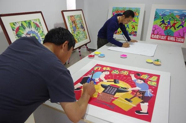 """1.组织青阳农民画画家用生动的画笔展现学习宣传《中国共产党纪律处分条例》等党纪法规,把纪律规矩要求的""""硬框框""""转化为通俗易懂的图像语言 - 副本.jpg"""